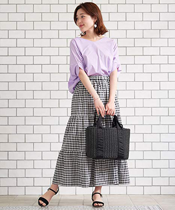 ギンガムチェック柄のロングスカート