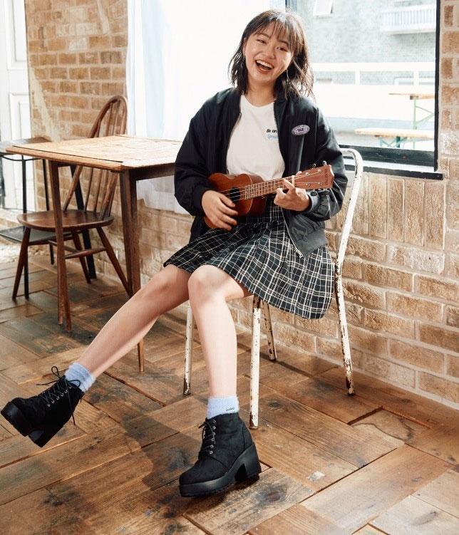 中学生女子修学旅行服装