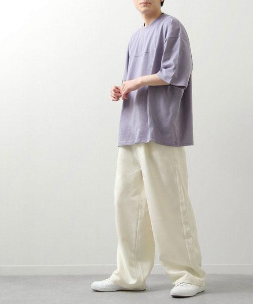 白のズボンに合う服