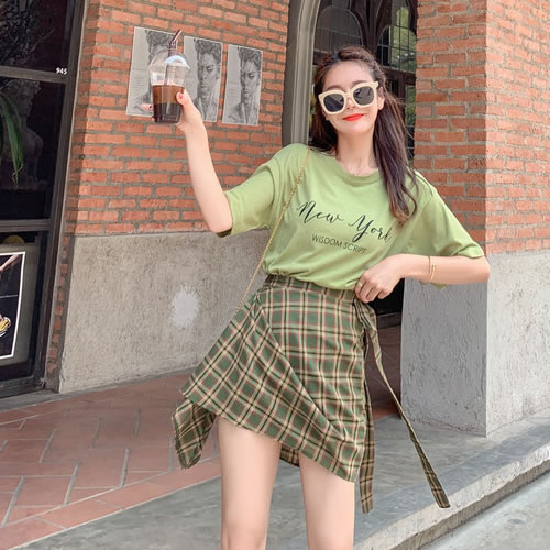 女子高校生流行りの服