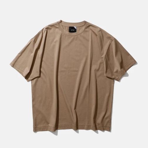 20代女性ブランドTシャツ