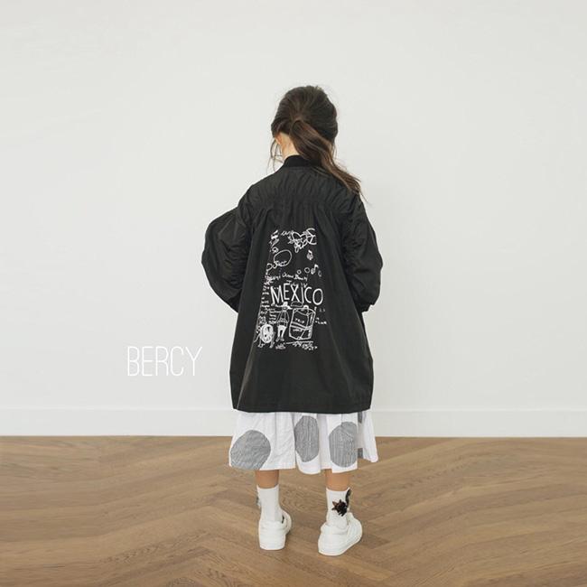 女の子ジュニアコート